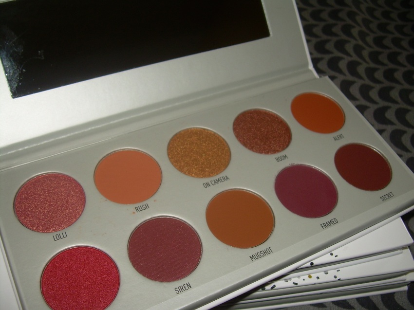 The Vault - Ring The Alarm eyeshadow palette